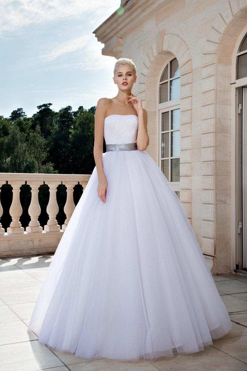 платье крючком с ажурными полосами
