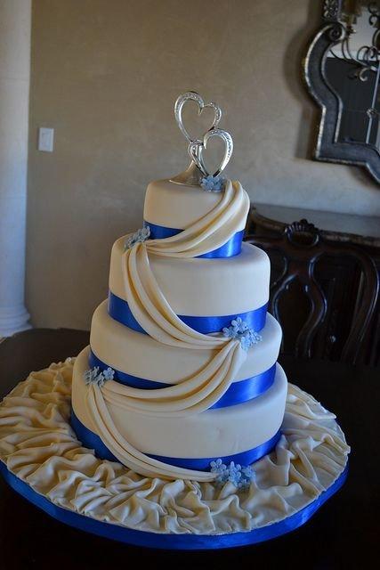 Торты на свадьбу в синем цвете