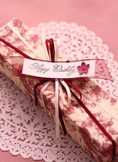 Подборка простых и оригинальных способов завязывания ленты на подарочной коробке правильной формы