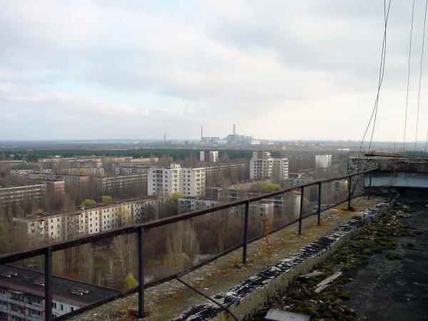 Припять — совсем молодой город, основанный в не таком далеком 1970 году на севере Украины. Сегодня он, брошенный в спешном порядке своими жителями, является самым