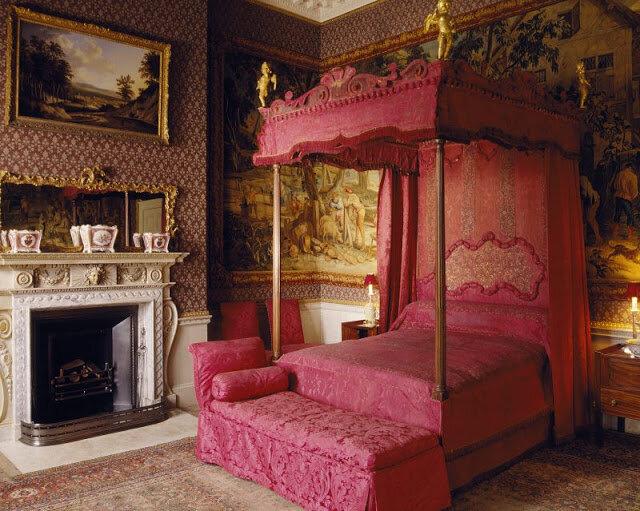 Дизайн кровати в викторианском стиле