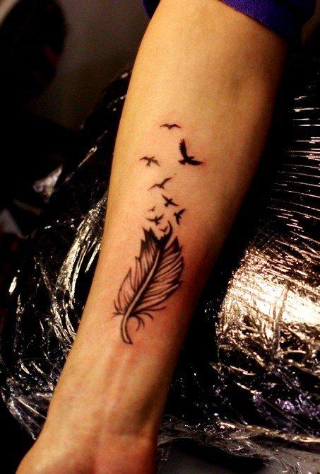 Тату перо: фото, примеры готовых рисунков татуировки - m 13