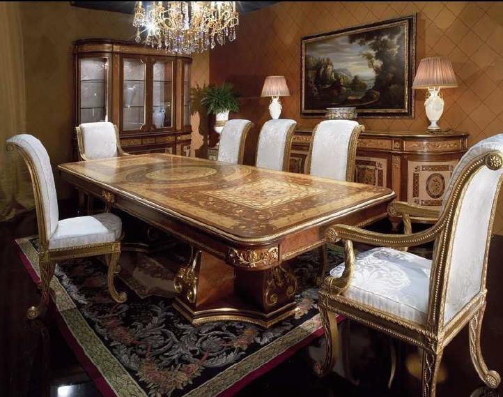 Гостиная с классическим ковром в стиле ампир