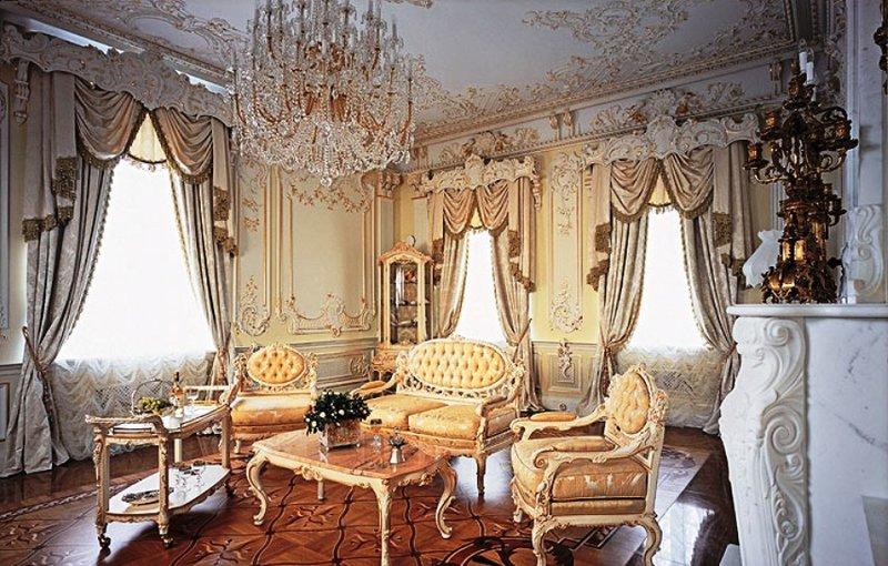 Барокко, вне сомнений, самый роскошный из всех исторических стилей. Его недаром называют стилем дворцов и церквей - он излучает атмосферу богатства, престижа и финансового благополучия.