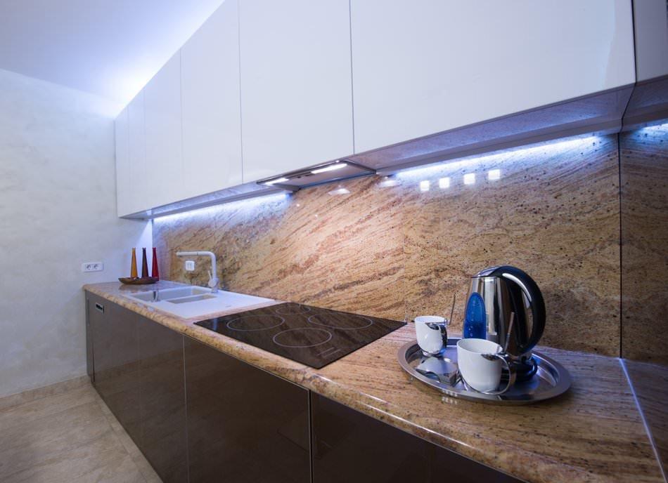варианты подсветки рабочей зоны кухни