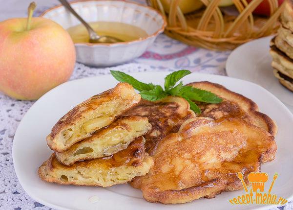 Рецепт румяных пышных оладей с яблоками