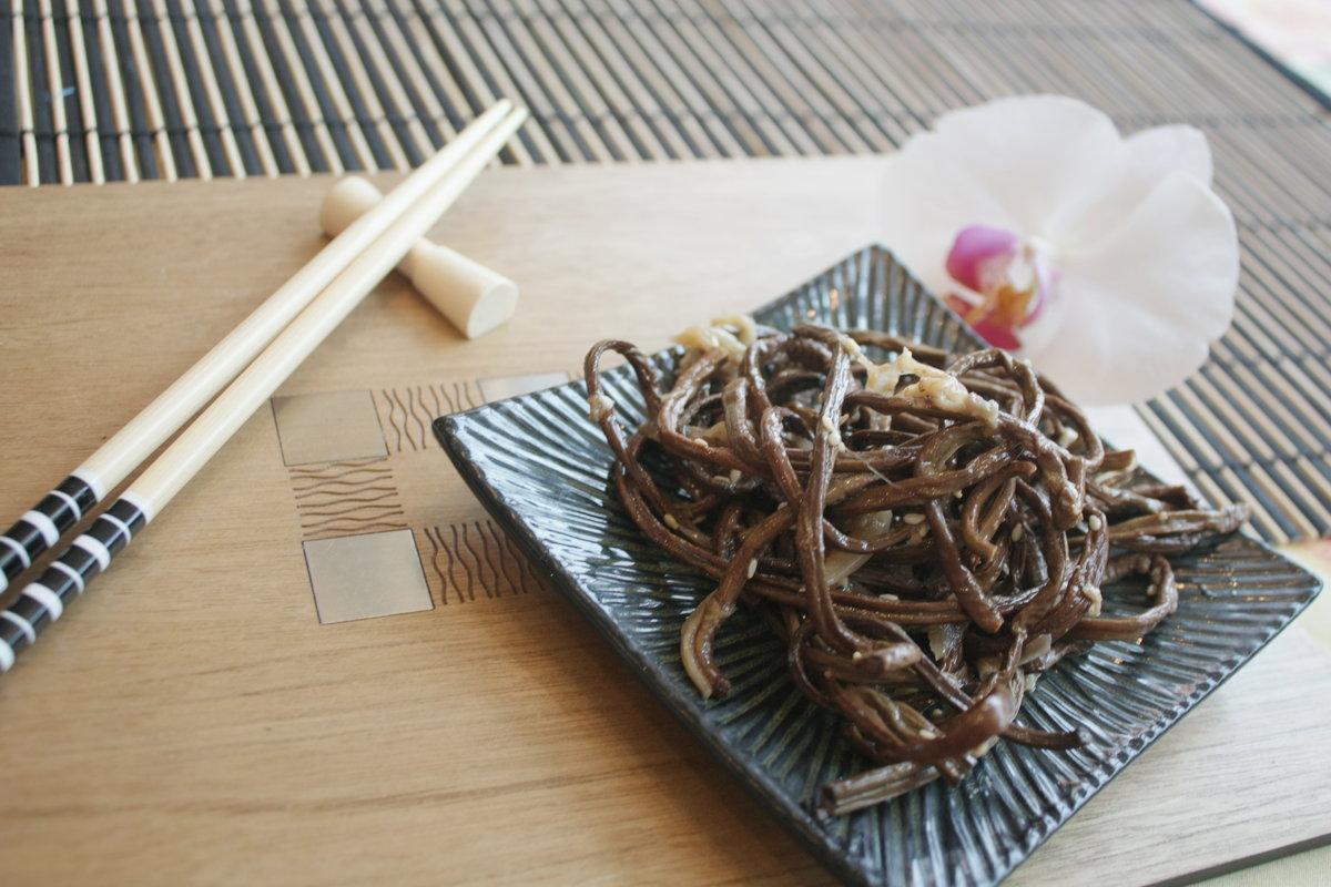 Корейская закуска из папоротника