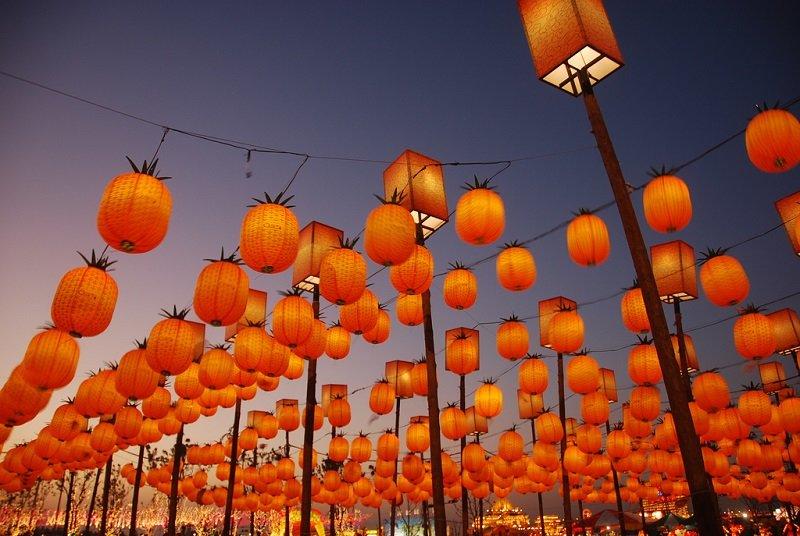 Китайский праздник фонарей Юаньсяоцзе