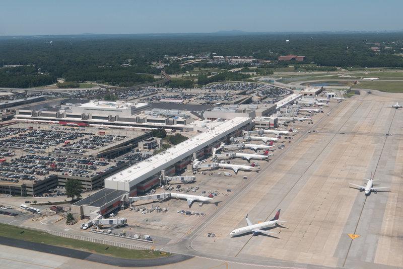 Самым загруженным аэропортом мира признан аэропорт Харстфил-Джексон в Атланте