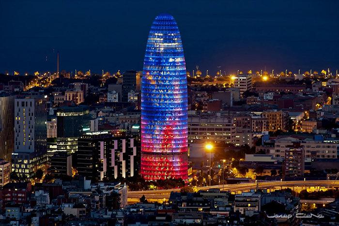 Небоскреб Agbar Tower в Барселоне