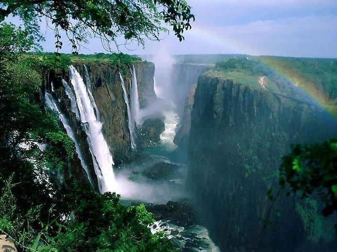 Радуга на водопаде Виктория