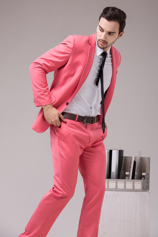 своего пацан в розовом костюме отмечают, что