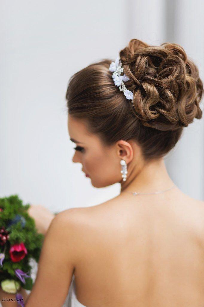 прическа высокий пучок свадебная прическа