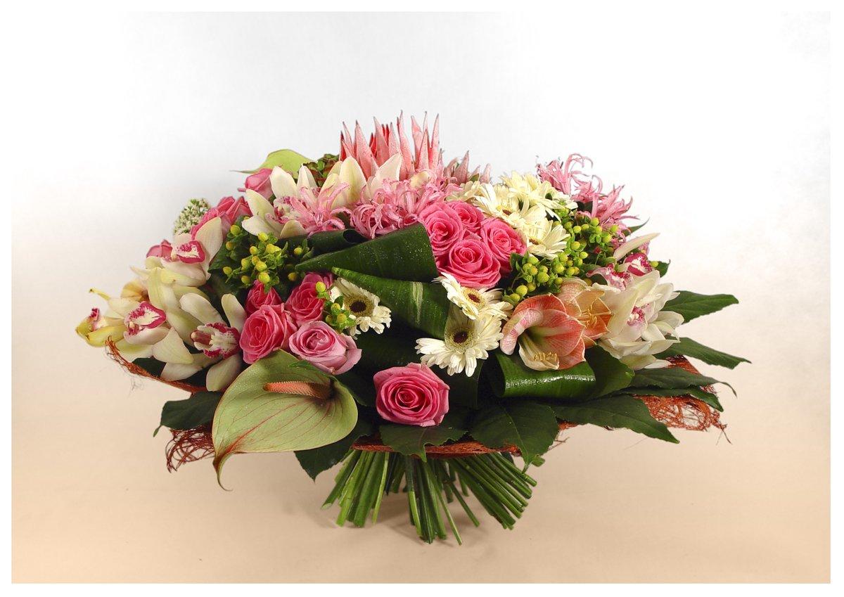 Оптом круглосуточно, букеты цветов для торжества