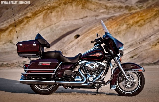 Фотографии Harley-Davidson FLHTC Electra Glide Classic