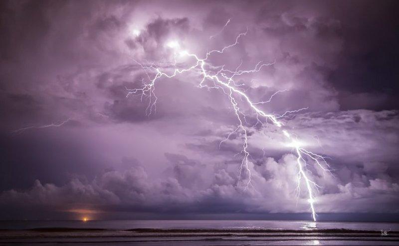 Фотографии молний – красивые фотографии молнии, редкие фото молний – ФотоКто