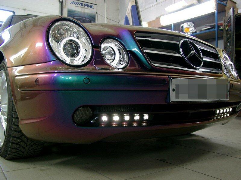 Mercedes Benz C208