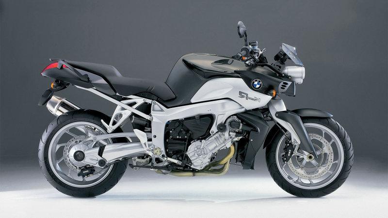 Обои BMW K1200R, картинки - Обои для рабочего стола BMW K1200R фото из альбома: (мотоциклы)
