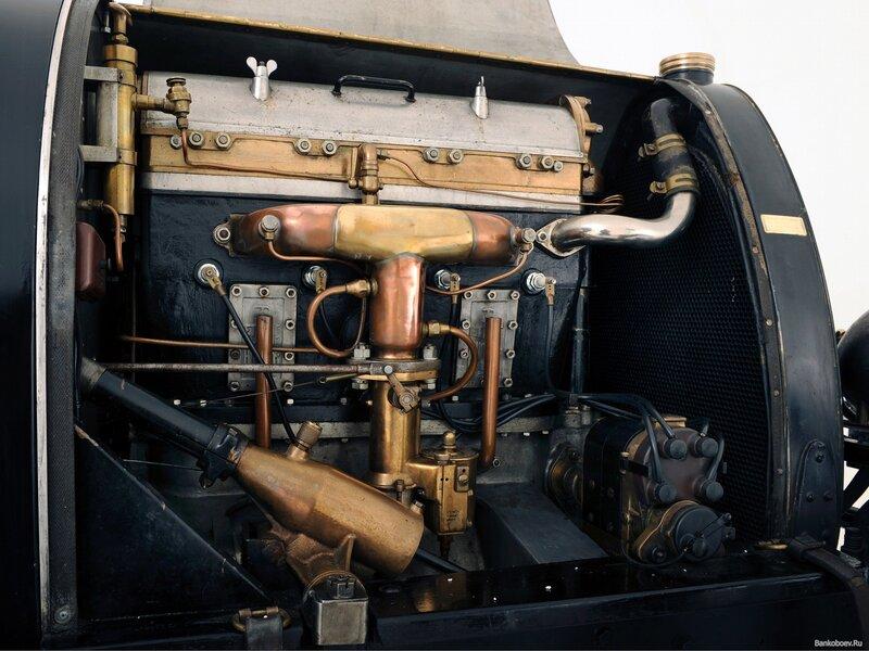 обои Bugatti Type 16 под капотом фото