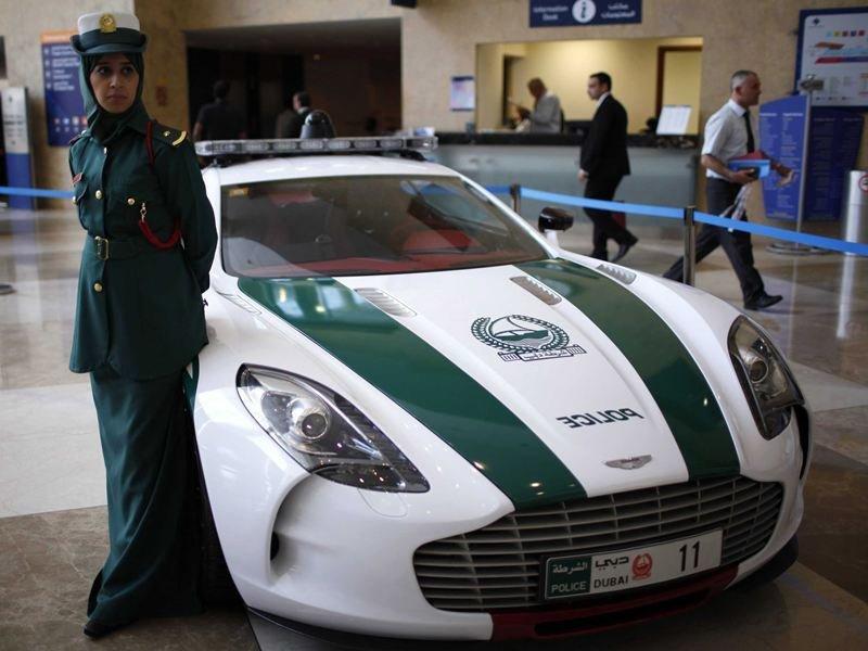 Полиция Дубая машины