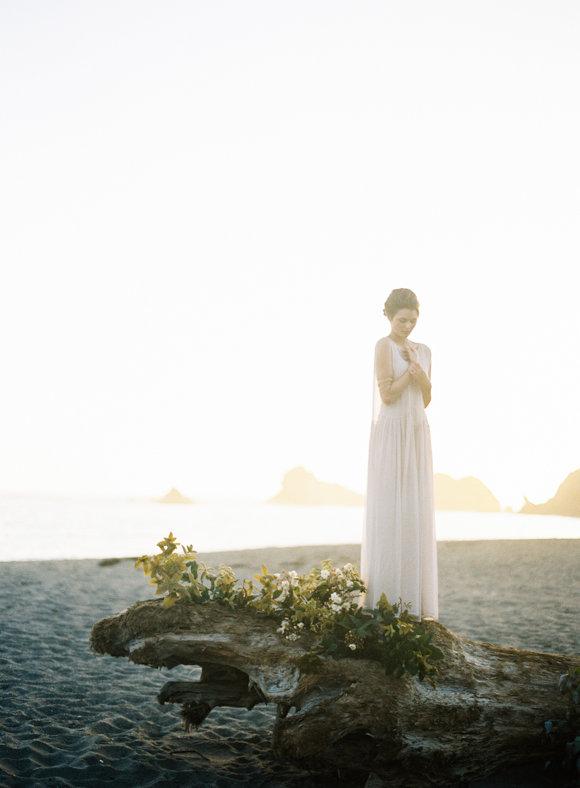 Романтическая пляжная фотосессия для невесты!