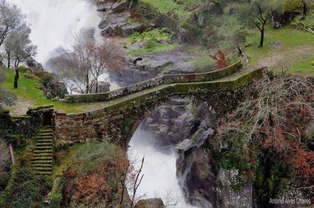 Старинные загадочные мосты