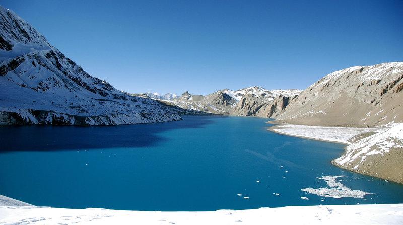 Зимнее озеро в горах - Природа  - Обои HQ & HD - AllGamed.ru - Бесплатные Мини Игры