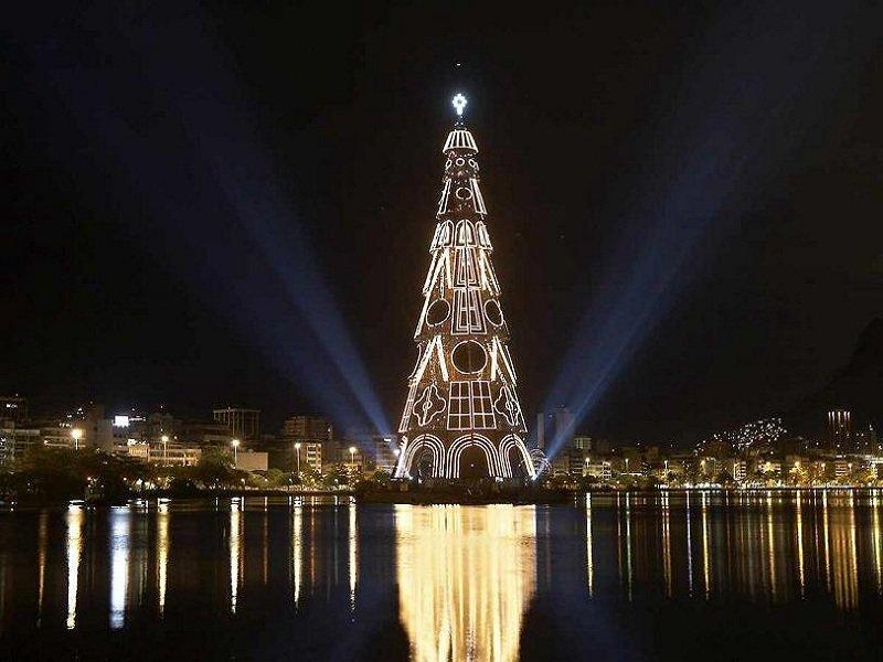 Главная елка Рио