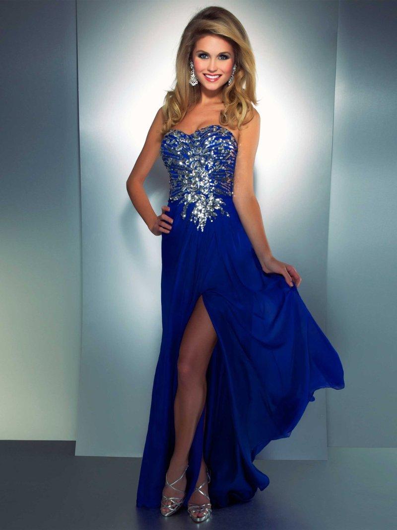 У меня темно синее платье на свадьбу