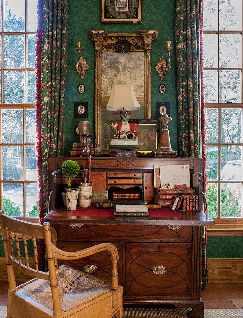 Восхитительный письменный стол