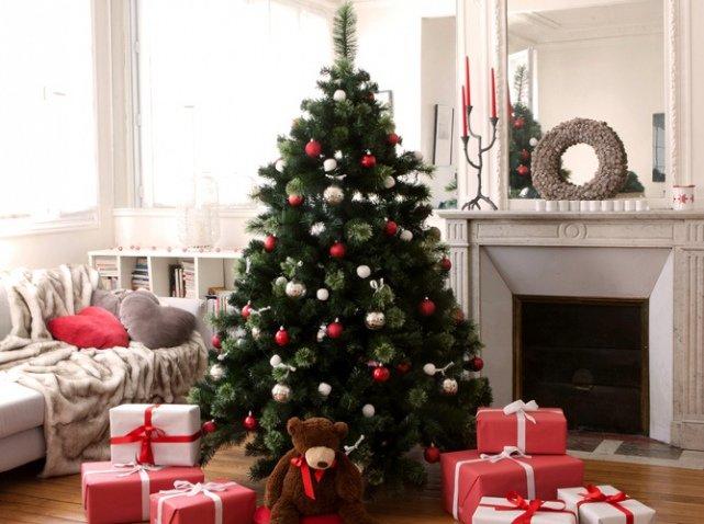9-Красивые-украшенные-елки:-фото