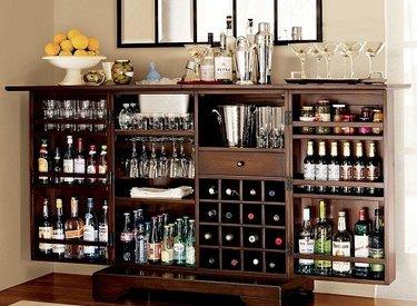 барный шкаф с вином