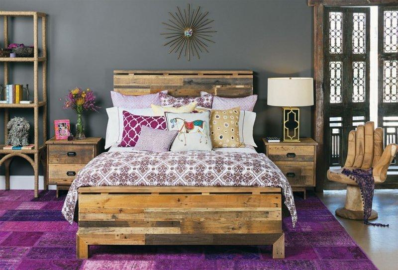 Креативный стул для интерьера спальни