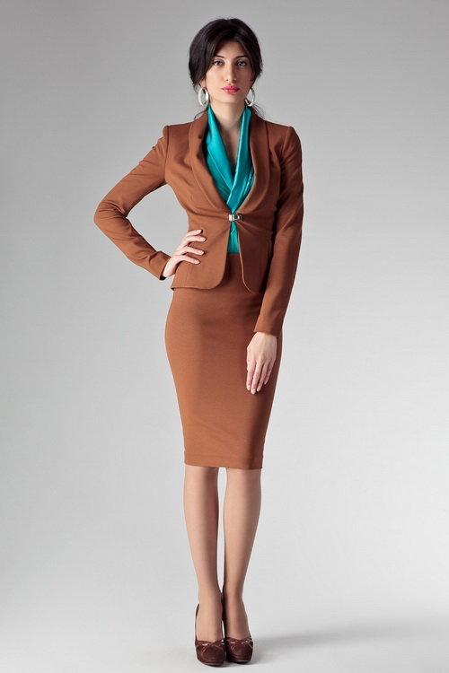 Летние и осенние костюмы с юбкой-2015 для женщин: фото модных женских костюмов