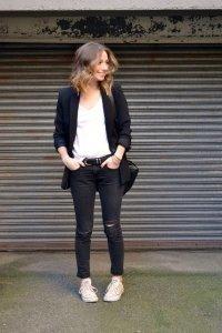 Модные джинсовые брюки в стиле кэжуал оттенка мокрый асфальт.
