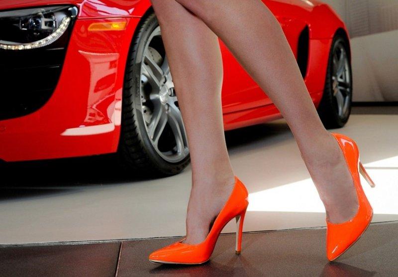 Оранжевые туфли-лодочки