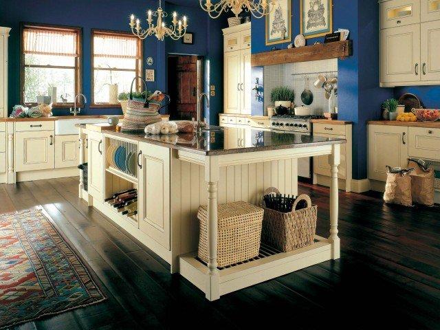 Синий цвет в интерьере кухни