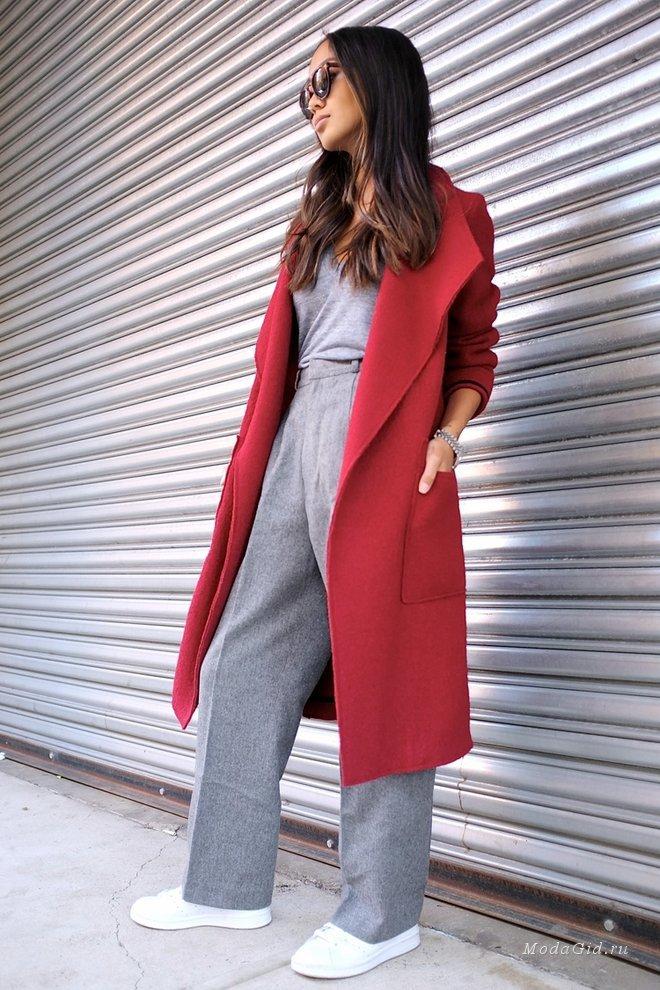 Уличная мода: Уличная мода осени 2015: модные образы с пальто