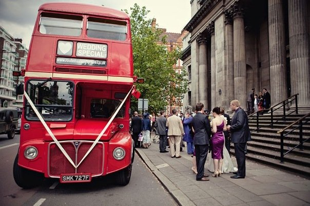 Свадебный двухэтажный автобус