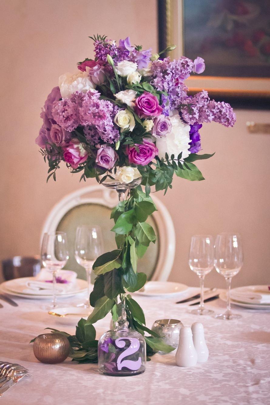 Букеты, свадебный букет на столе