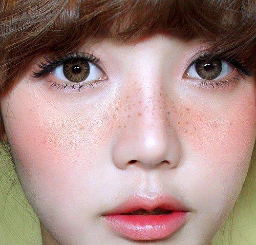 Есть множество вариантов ухаживать за губами, Южная Корея придумала новое.