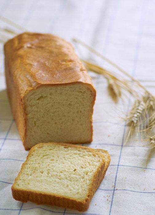 Молочный белый хлеб