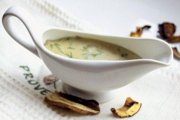 Сметанный соус из белых грибов