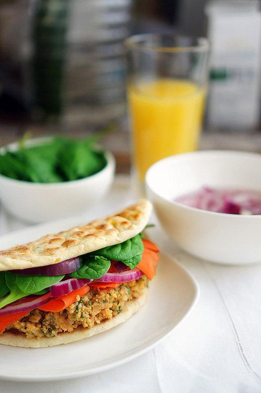 Веганский наандвич, вегетарианский сендвич с нутом, пошаговый фото рецепт, кулинарный блог