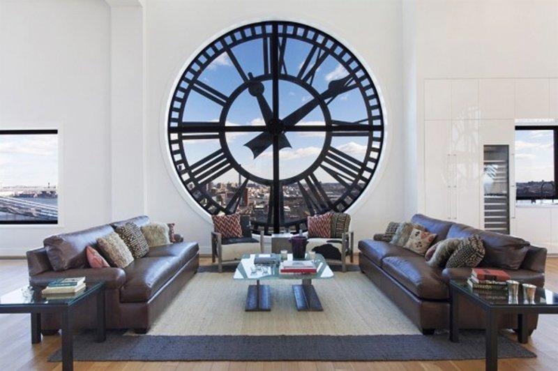 Помимо внешних характеристик, часы должны быть функциональными и надежными.