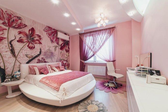 Фотообои в спальню в розовых тонах.