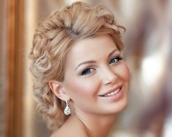 Модные и популярные примеры макияжа на свадьбу для невесты. Фото и ... 8ffcd84f800bd0b6140b0e8e0d746024. Depositphotos_4728570_S