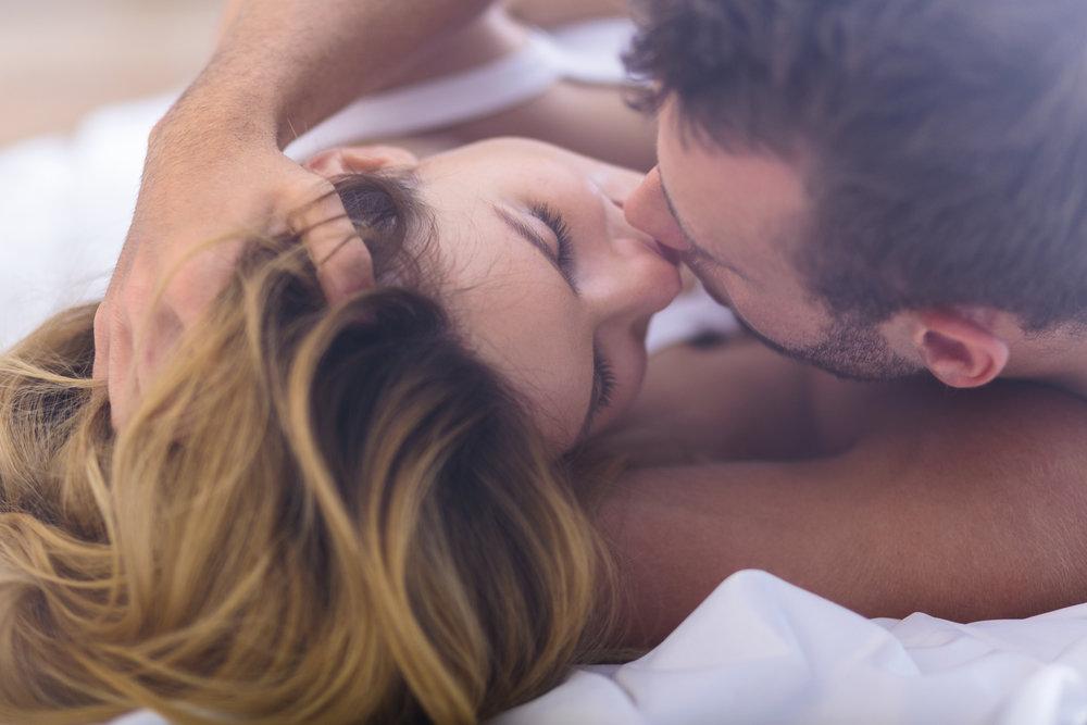 Картинки горячий поцелуй на ночь