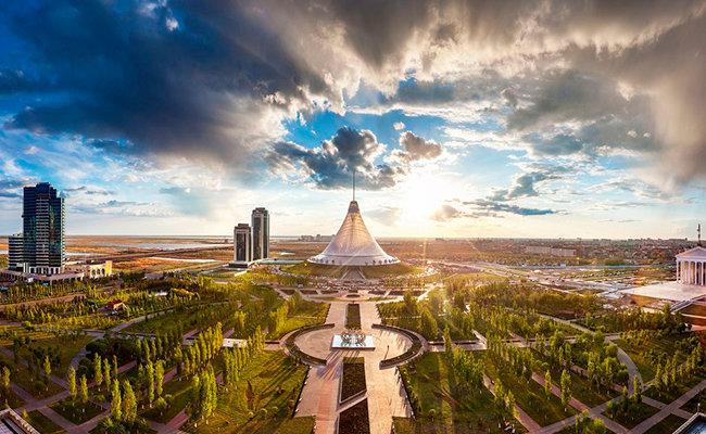 """Казахстан. Астана. """"Хан-Шатыр""""."""