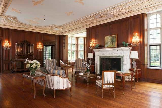 Викторианский стиль в интерьере все еще в ходу так называемый викторианский стиль интерьера, который несмотря на помпезность используемых приемов и элементов, сохранил свою историю